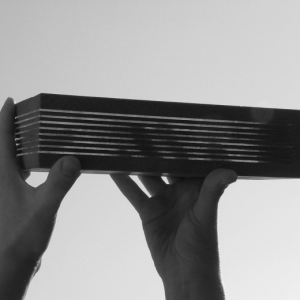 Fekete-Zsuzsanna-Üvegbeton-szabadalma-a-Magyar-Formatervezési-Díj-2005-nyertese_black-520x520